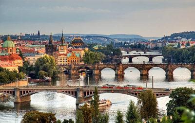 где в Праге можно бесплатно выучить чешский язык