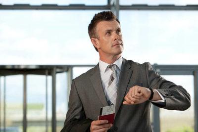 За сколько времени до вылета нужно приехать в аэропорт и зарегистрироваться на посадку