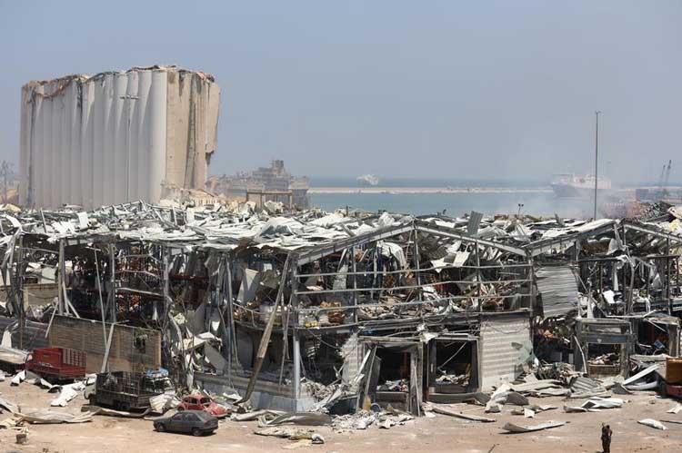 На помощь Бейруту: польские пожарные строят базу спасательной операции 3