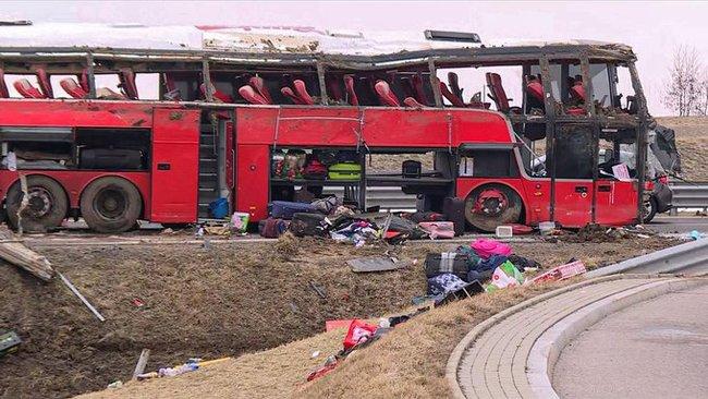 Страшная авария в Подкарпатском воеводстве. Погибло несколько украинцев, десятки ранены 5