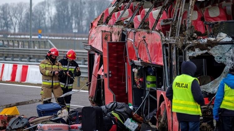 Страшная авария в Подкарпатском воеводстве. Погибло несколько украинцев, десятки ранены 6