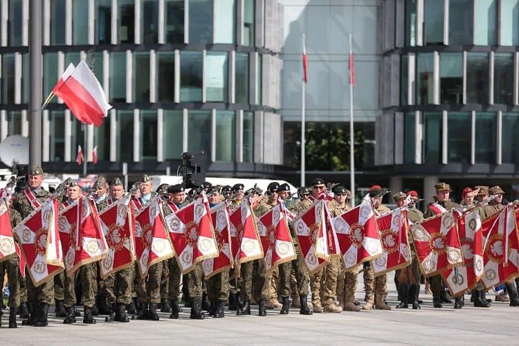 15 августа в Польше – День Войска Польского 1